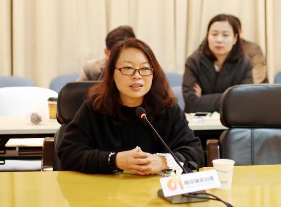 南京市城管局公众联络处副处长 刘晓丽