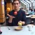国外网友用视频剪辑创造的魔术幻象