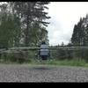 瑞典人发明的飞行座椅 由76架无人机组成