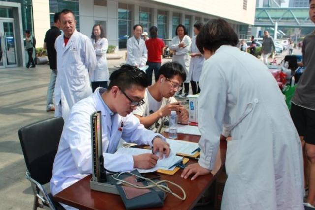 江苏拟加大对献血者褒奖 配偶的父母也能受益