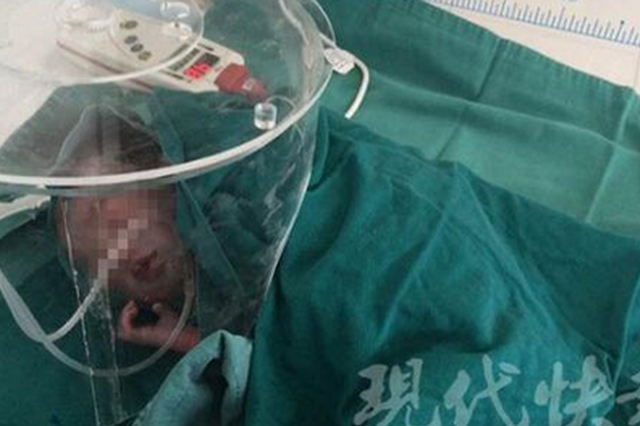 南京一孕妇前往医院中出租车上生下孩子 母子平安