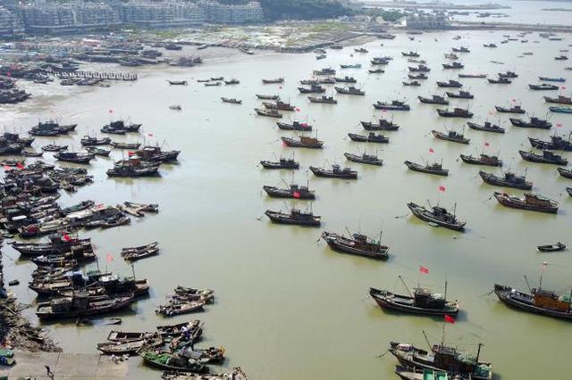 连云港海事部门快速救助一名受伤渔民