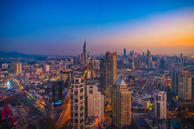 南京人每天睡眠比北上广多1.5小时 花钱最多在饮食