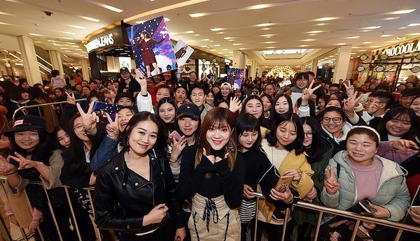 《天籁之战》人气选手方婷张珊珊登陆南京 谈及音乐不忘初心