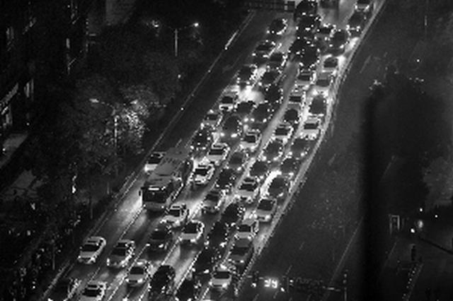 新堵点+季节效应 南京这些道路都在修