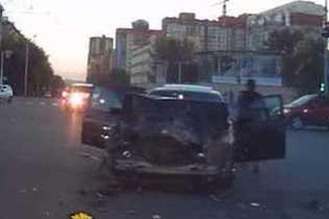 男子河北遇车祸被撞昏迷8天 警方发现其为19年前杀人逃犯