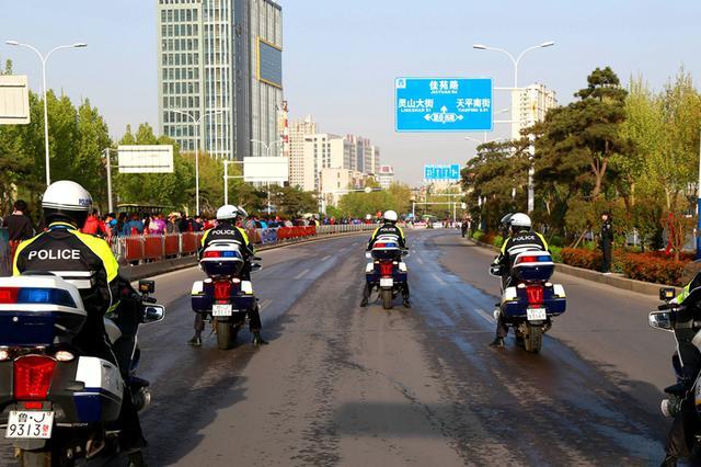 南京仙林半马开跑 交通管制绕行路线提示看这里