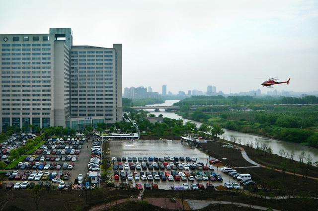 南京三分之二的民营停车场亏损 专家建议:放开定价