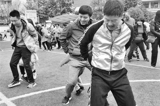 杭州推行家长持证上岗一周年 注册家长超过在校学生