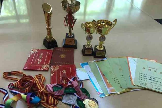 11岁跳棋少年获世界比赛亚军