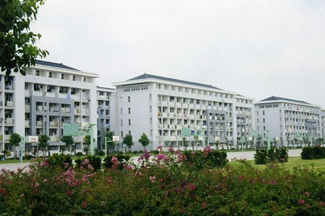 参考消息:为什么中国学生要给留学生腾宿舍?