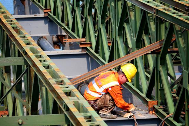 中南建设存货周转下降 担保363亿元占净资产258%