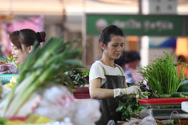 受台风雨水影响 江苏各地蔬菜价格均较快上涨