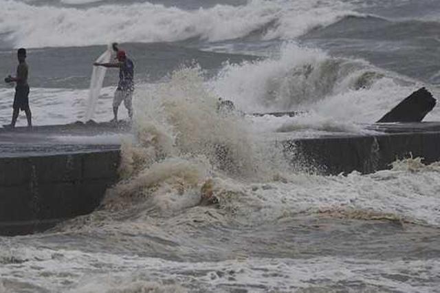 """台风""""山竹""""远去 海南进出岛交通恢复"""