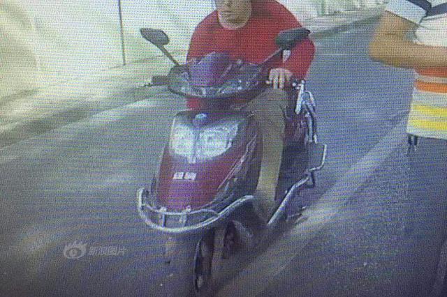 男子偷电动车充电才20分钟 警察就到了