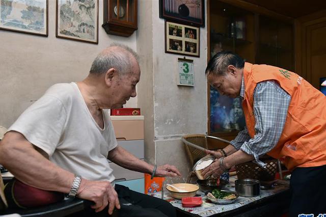 江苏有6026位百岁老人 老龄化程度居全国第三
