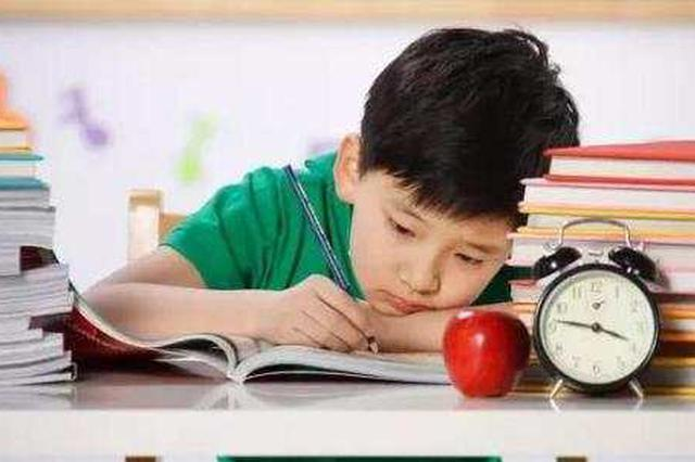 """奇葩作业让家长""""抓狂"""":一年级孩子写12页科学报告"""