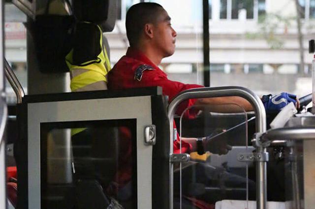 交通运输部:新购公交配备隔离设施 司机加强培训