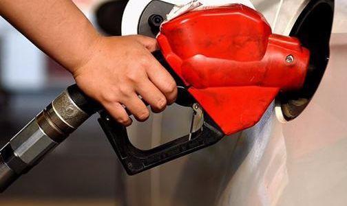 """国内油价今日调价或""""四连跌"""": 每吨降超120元"""