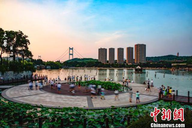 """江苏江阴实现全国县域经济发展""""十六连冠"""""""