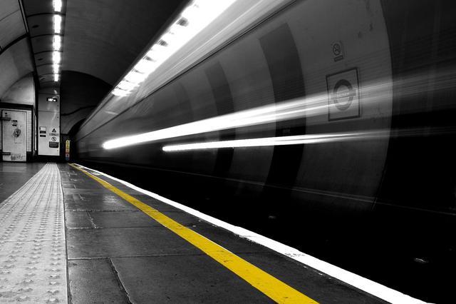 今起至2月底南京乘地铁能领红包啦