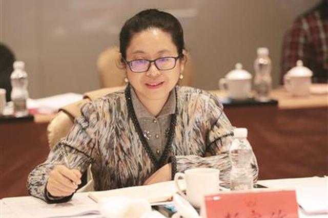 南京代表团代表表示——决胜全面小康 南京要争当排头兵