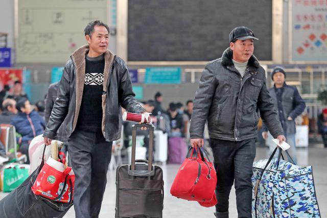 江苏发布春运安全提示 初六逾300万辆自驾车返程