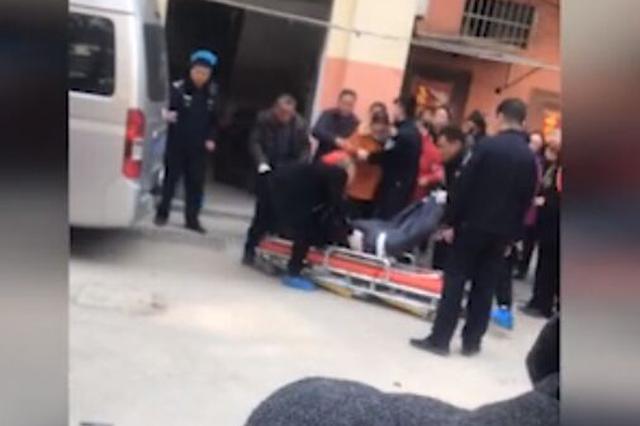 江苏建湖一13岁男孩因管教严格砍死母亲被抓