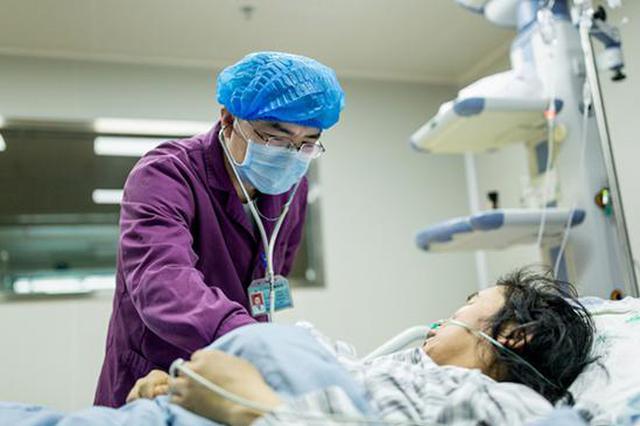 女子为养生静脉注射20种鲜榨果汁 抢救5日脱险