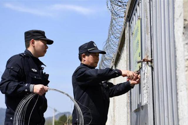 江苏去年查办2000多起 侵害民警执法权威案件