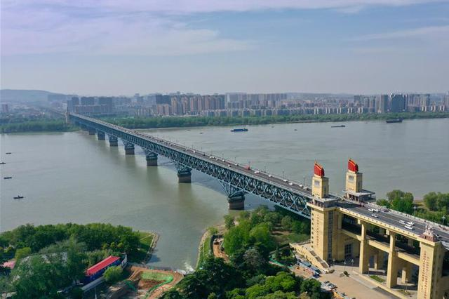 南京拟对长江大桥有历史文化价值的局部设施立法保护