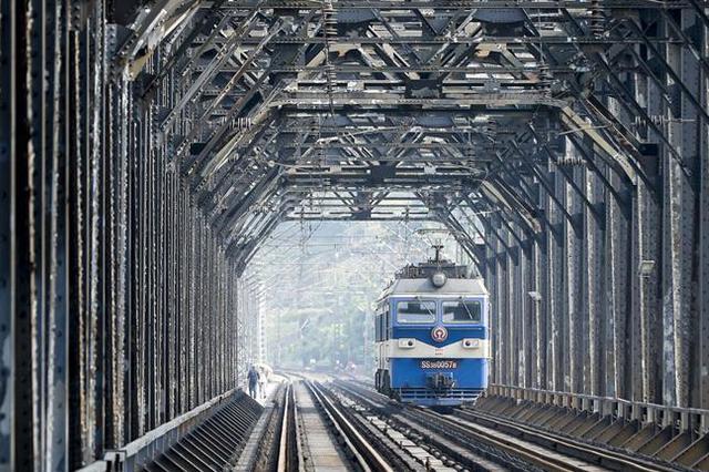 """南京站""""五一""""小长假将增开列车80余趟"""