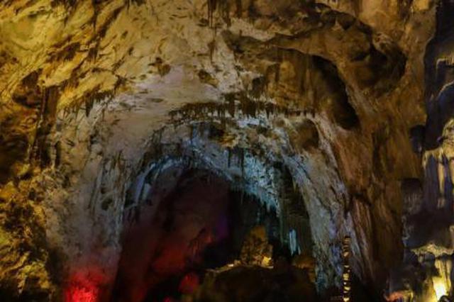 探访贵州织金洞世界地质公园