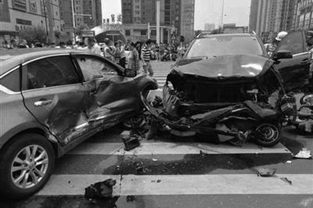 深度还原常州车祸:肇事者晕厥口吐白沫致车辆失控?