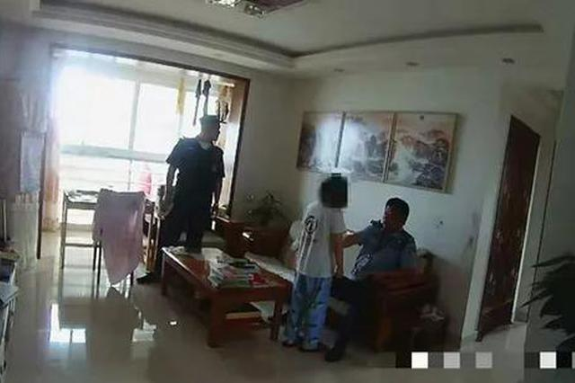 南京一父亲陪娃写作业被气到大吼 声音太大吓得邻居报警