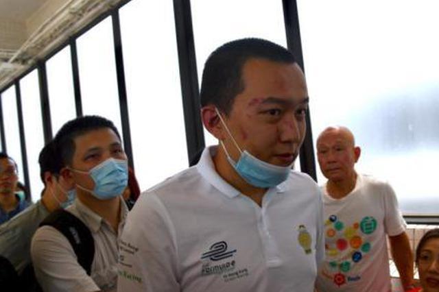 香港机场受伤记者出院