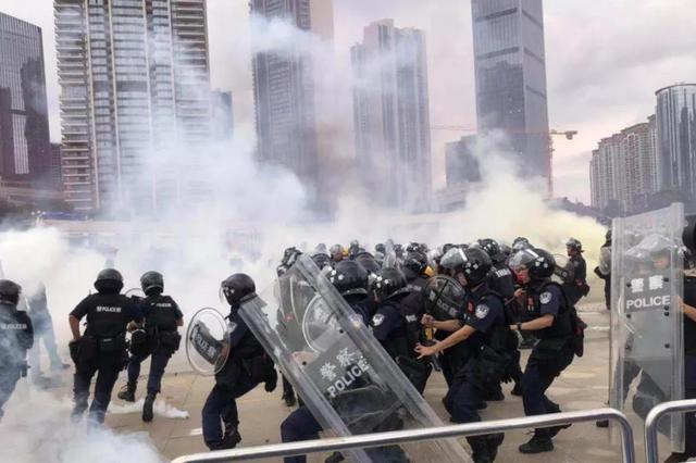 """人民日报海外版:香港反对派""""睁着眼睛说瞎话"""""""