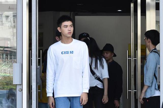 2019年北影新生报到 俊男美女星范十足