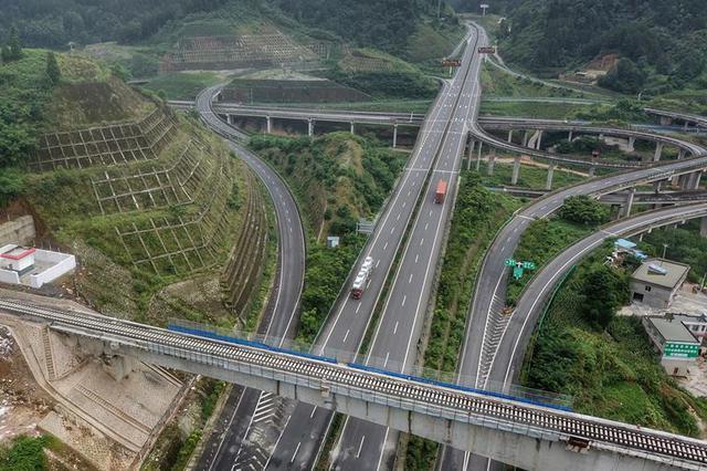 中秋节江苏省公路网畅通运行 交通安全形势总体良好