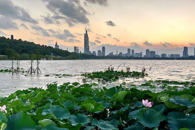 南京城建70年 天翻地覆大飞跃