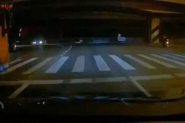 无锡高架桥侧翻 事发路段9月开展过道路全面巡查