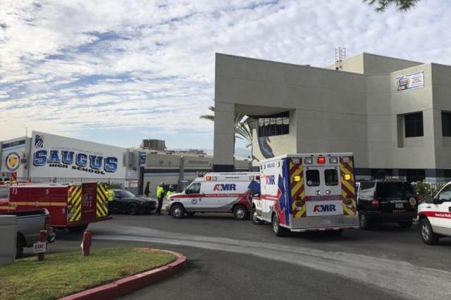 美国加州一所高中发生枪击案致2死4伤
