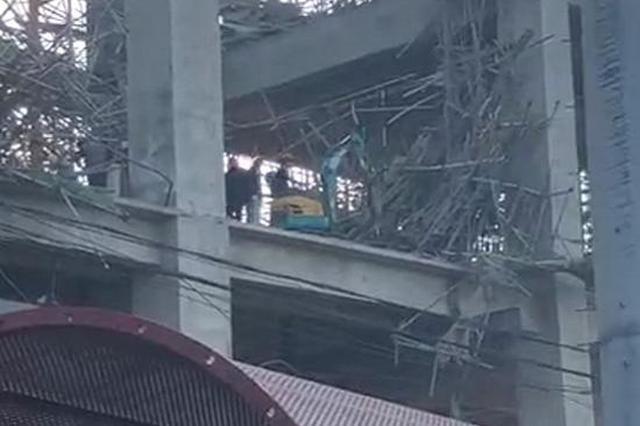 徐州一水泥厂工地坍塌致5伤1失踪 家属:现场仍在救援