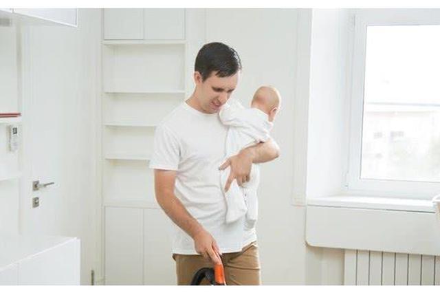 不上班的全职爸爸:女主外男主内 一切为了孩子