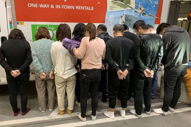 美官方:11名中国人涉偷渡 藏身卡车在美边境被捕