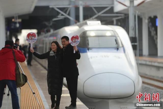 徐盐高铁正式开通运营 苏北五市全部进入高铁时代