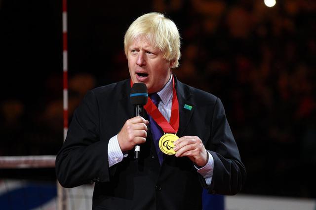 英国首相鲍里斯·约翰逊被转移进重症监护