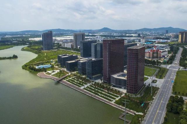 南京落户再放宽 业内:留住人才还需看与城市发展契合度