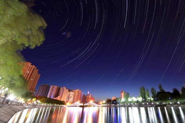 新疆南部城市:初夏时节美景如画