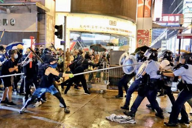 至少120名暴徒在港被捕 香港特区政府:支持果断执法